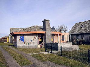 Ferienhaus Zeestern 63 im Ferienpark Strandslag