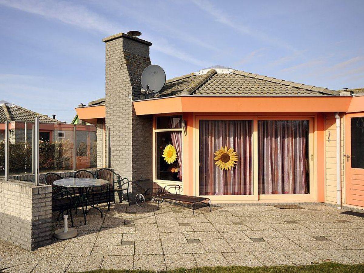 ferienhaus zeestern 63 im ferienpark strandslag julianadorp frau regine engelhardt. Black Bedroom Furniture Sets. Home Design Ideas