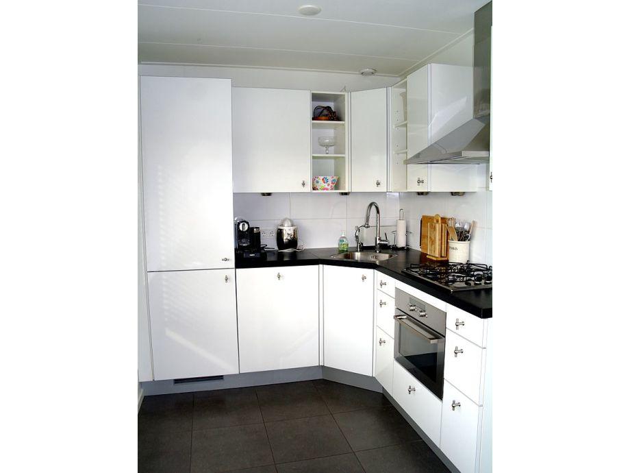 Großartig Geeignete Farbe Für Die Küche Nach Vastu Bilder - Küchen ...