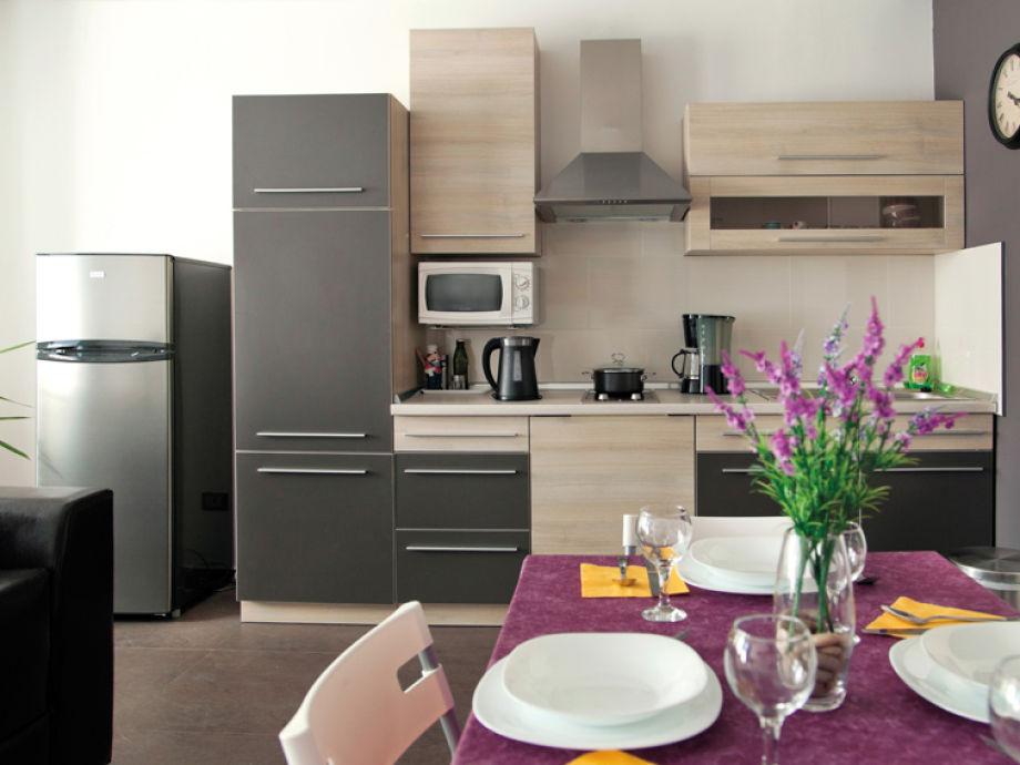 Essbereich mit einer offenen Küche