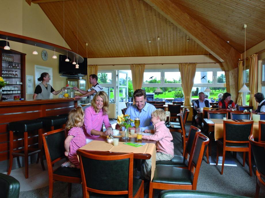 ferienwohnung am golfplatz ber 2 etagen ostsee fehmarn firma riechey freizeitanlagen gmbh. Black Bedroom Furniture Sets. Home Design Ideas