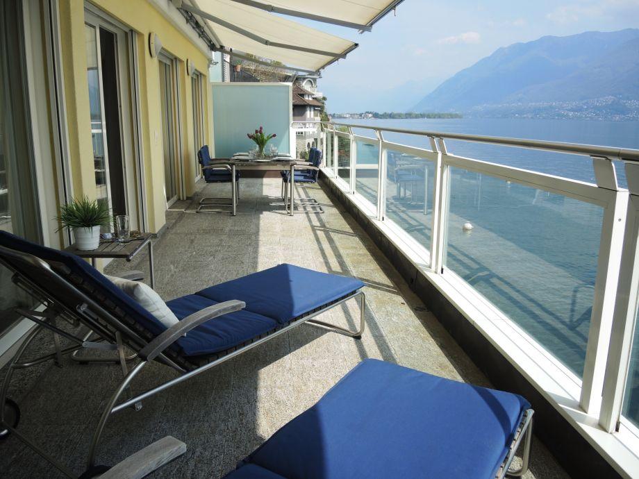Genießen Sie die traumhafte Aussicht auf Lago Maggiore!