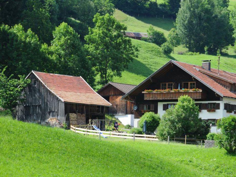 Außenaufnahme auf dem Bauernhof Mayrhof