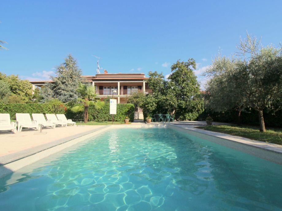Ferienhaus lorena bungalows lorena mit salzwasserpool in porec firma istra line travel agency - Pool salzwasser ...
