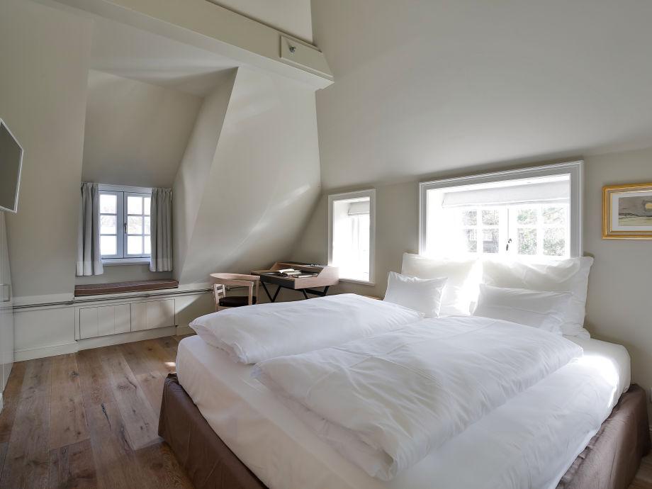 Schlafzimmer Mit Schreibtisch ~ Raum- und Möbeldesign-Inspiration