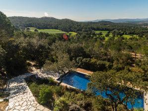 Ferienhaus mit traumhaftem Ausblick und Pool | AR-2