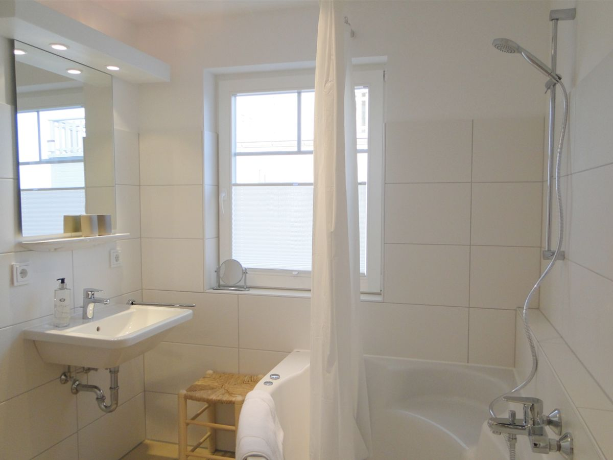 badezimmer whirlpool badewanne. Black Bedroom Furniture Sets. Home Design Ideas