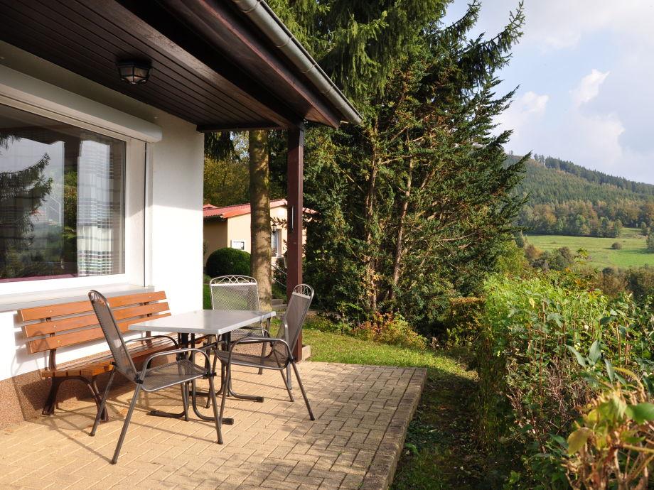 Terrasse vor dem Ferienhaus
