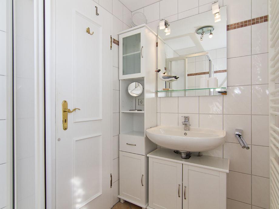 ferienwohnung 09 schwimmbad sauna solarium wenningstedt in sylt firma ida klein appartement. Black Bedroom Furniture Sets. Home Design Ideas