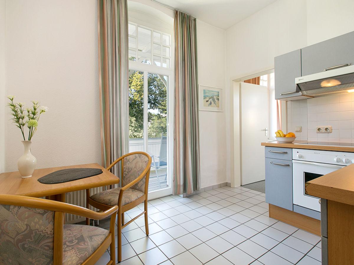 ferienwohnung charlotte in der villa metropol binz firma appartement vermittlung ott frau. Black Bedroom Furniture Sets. Home Design Ideas