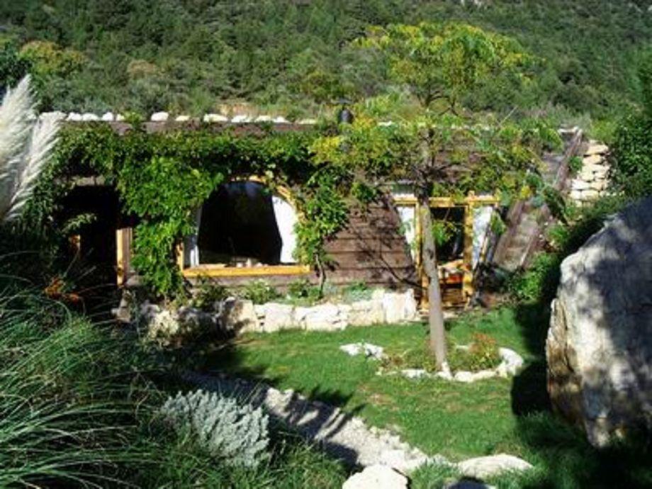 Das Teichhaus, wie ein Hobbithäuschen