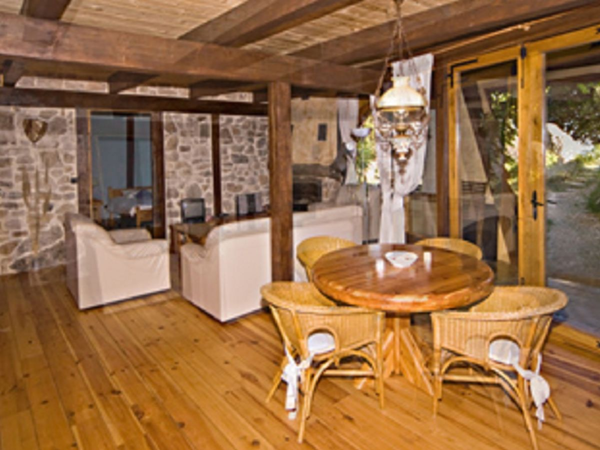 ferienhaus bergerie la falaise teichhaus languedoc. Black Bedroom Furniture Sets. Home Design Ideas