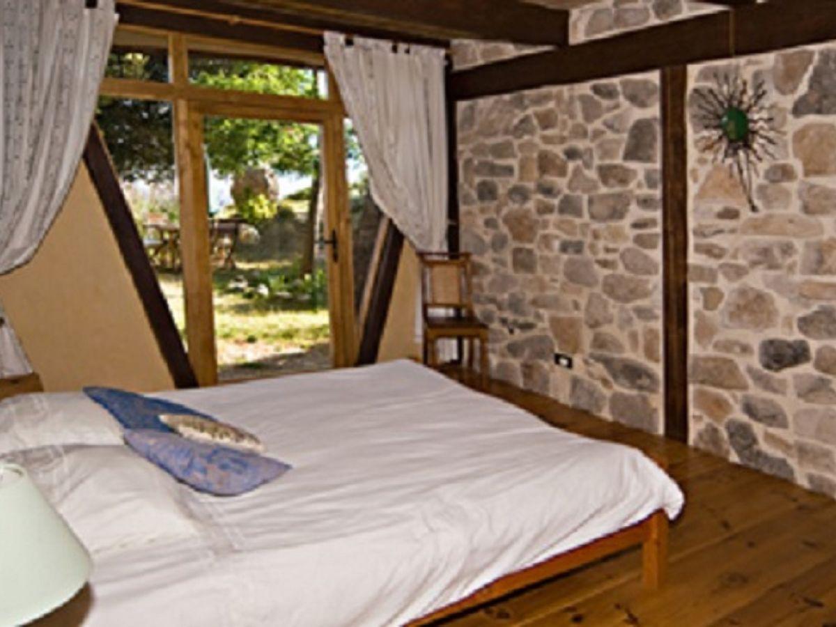 ferienhaus bergerie la falaise teichhaus languedoc roussillon h rault frau anneke menger. Black Bedroom Furniture Sets. Home Design Ideas