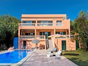 Villa Due Leoni