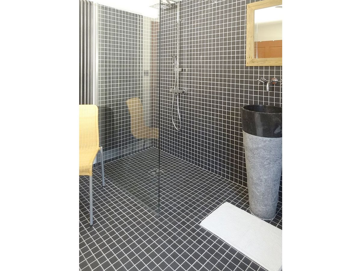 Ebenerdige Dusche Kosten : Modernes Badezimmer mit Dusche Ebenerdige Dusche