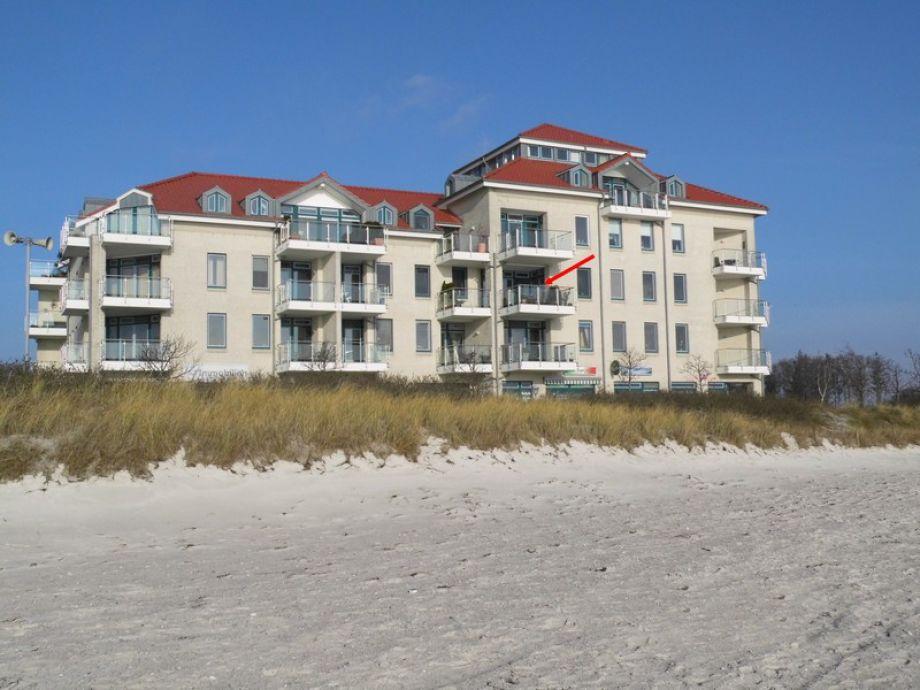 Blick vom Strand zur Lage der Ferienwohnung/Balkon