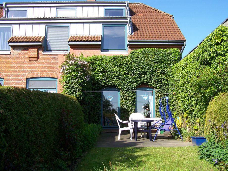 Blick vom Garten - Ansicht der Terrasse
