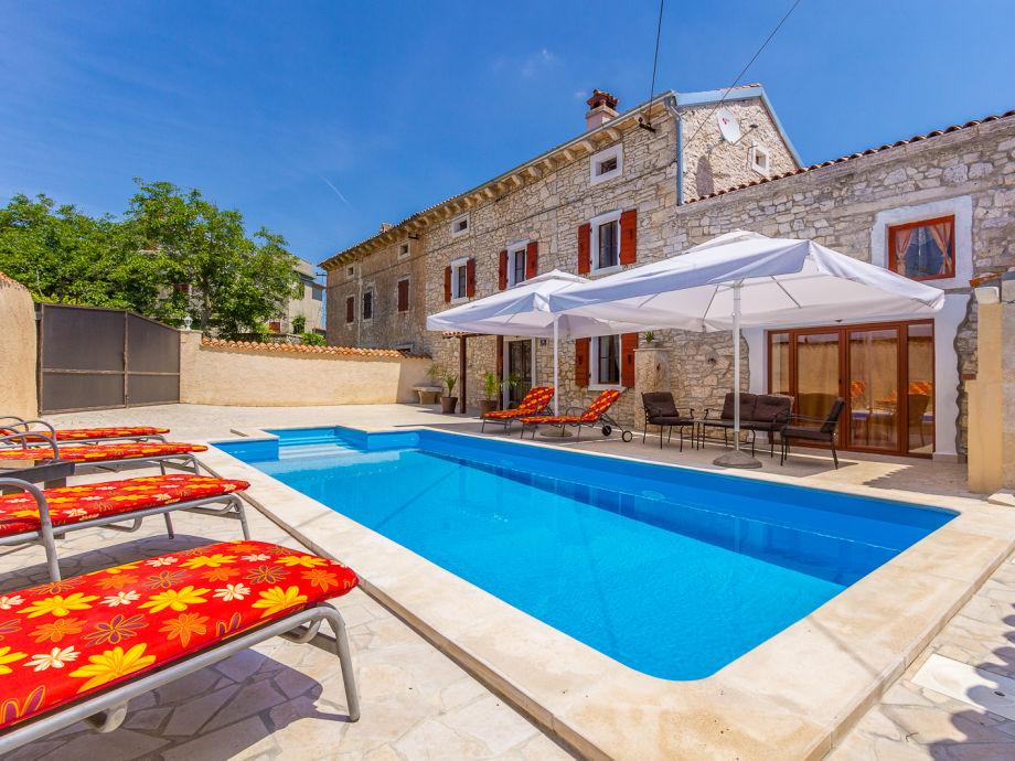Villa Mutvoranka mit Pool