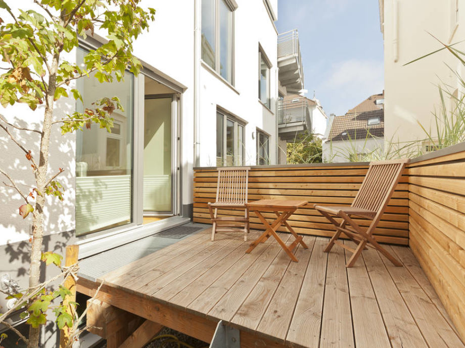 Balkon mit Gartenmöbel