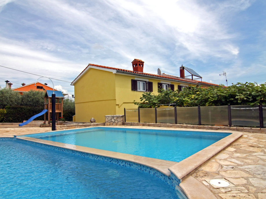 Swimmingpool-Villa Pino