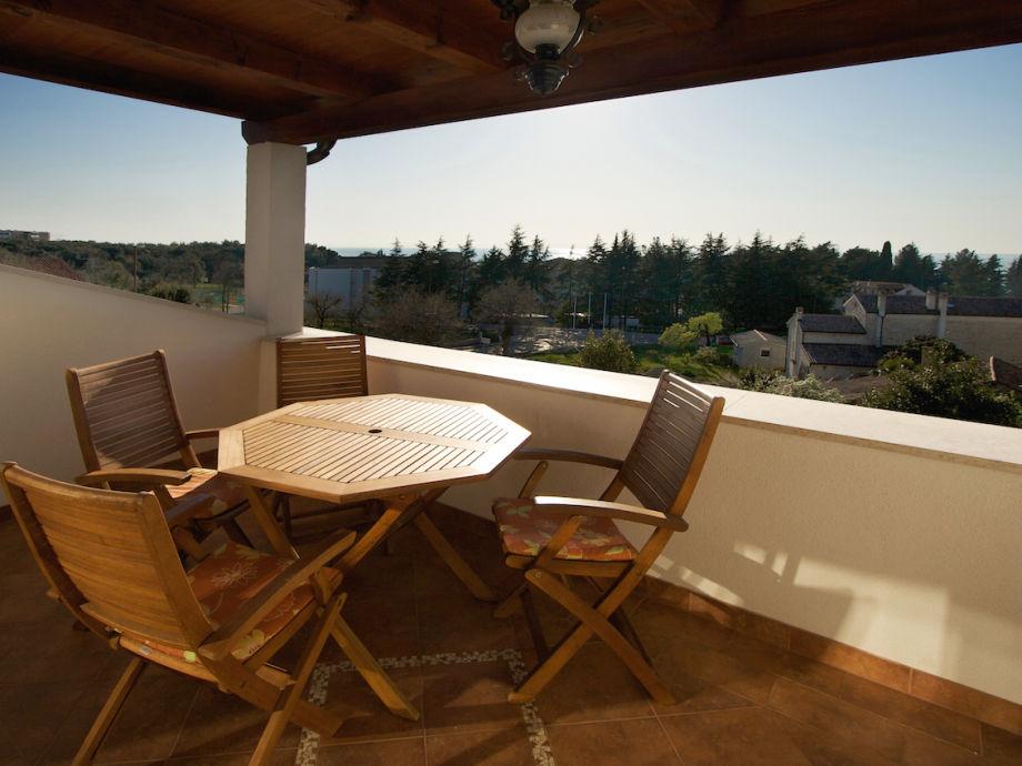 Terrasse für gemütliche gemeinsame Abende