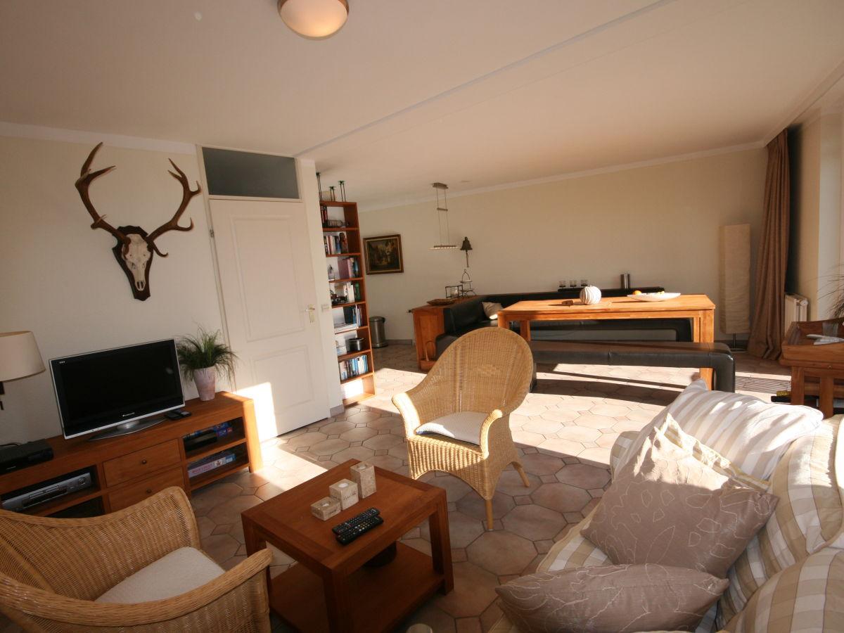 Ferienhaus brekkense wiel 138 ijsselmeer lemmer firma for Wohnzimmer mit esstisch