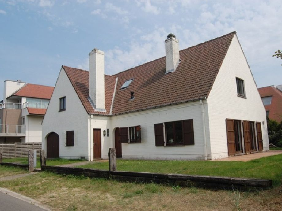 Blick auf die Außenfassade der Villa