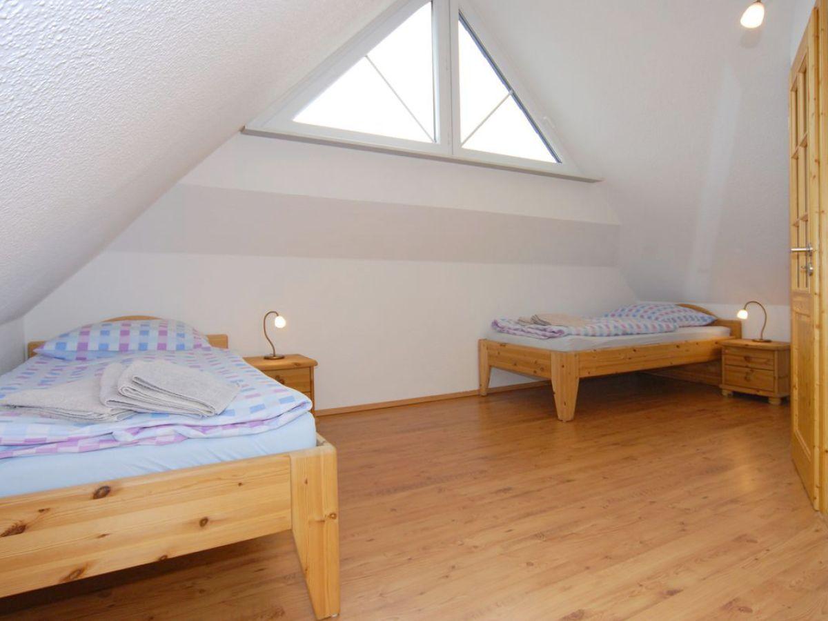 Ferienhaus leuchtturm fischland darss zingst firma for Schlafzimmer dachgeschoss
