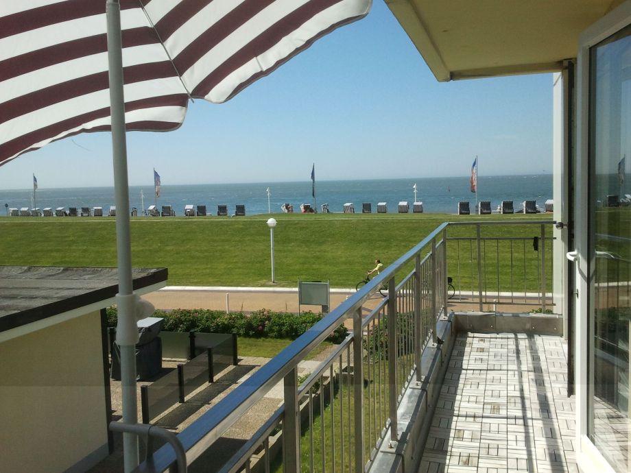 Blick vom Balkon auf das Meer