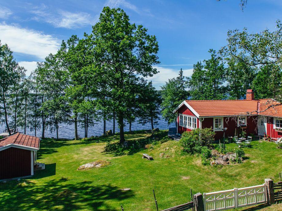 Ferienhaus und Gästehaus Schweden auf dem Seegrundstück
