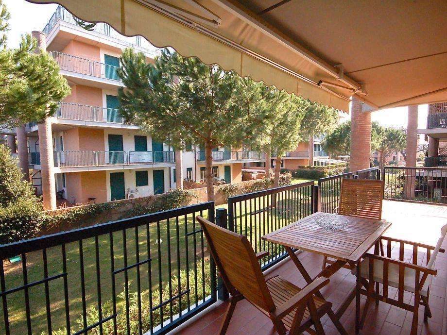 The private balcony