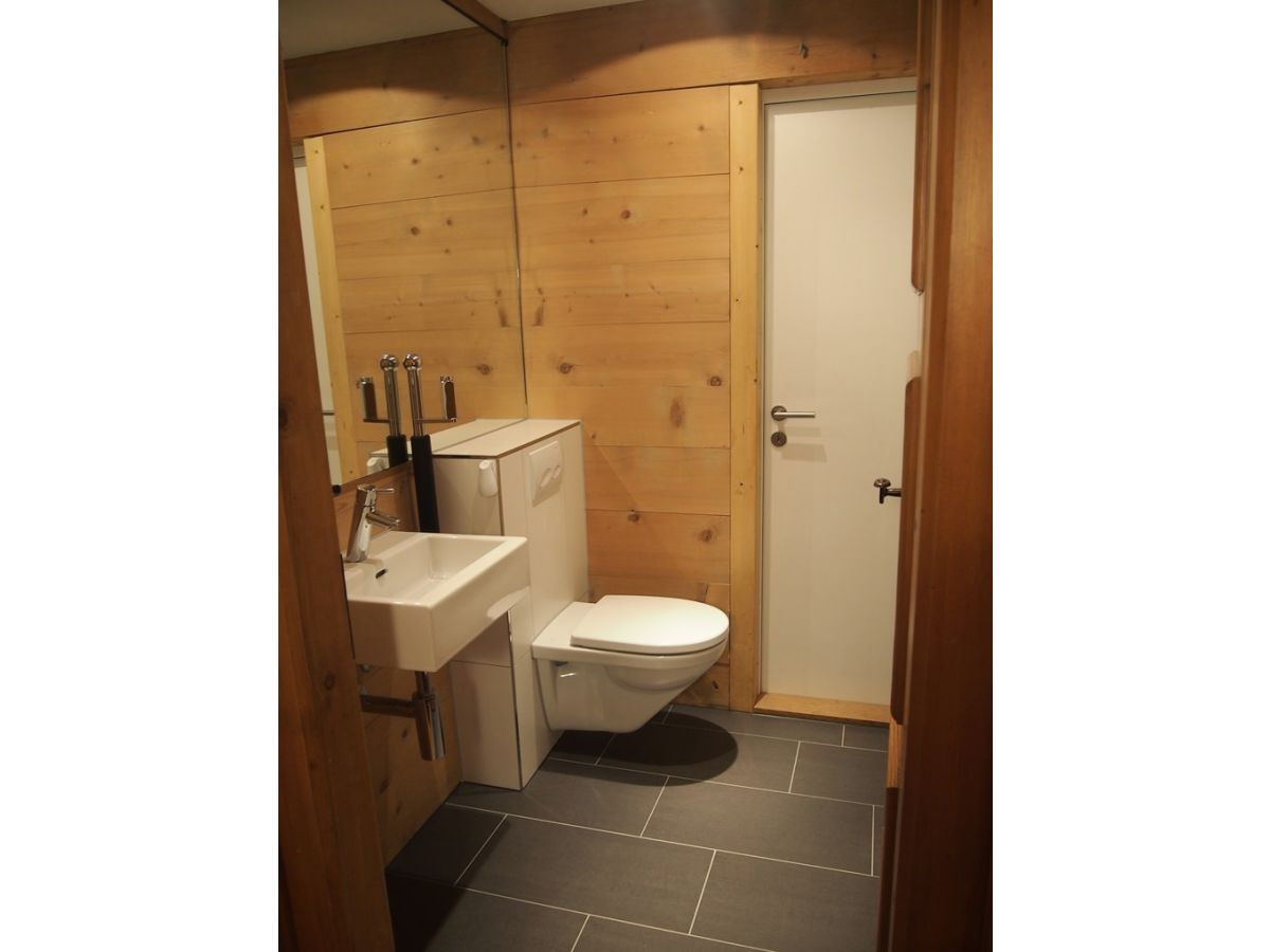 ferienwohnung im zentrum berner oberland firma fewo adelboden herr martin br hlmann. Black Bedroom Furniture Sets. Home Design Ideas