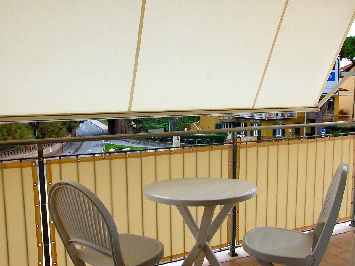 Ferienwohnung berlese toskana san vincenzo firma eden for Markise balkon mit tapeten von hammer