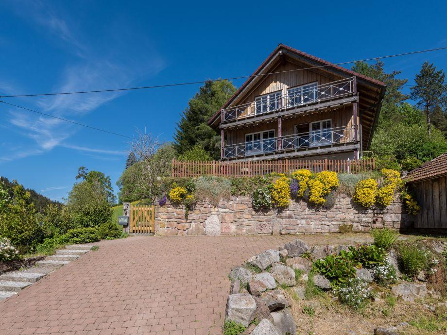Ferienhaus Schwarzwald mit eingezäuntem Grundstück
