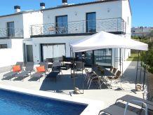 Ferienhaus Chalet Fantastico mit Pool, Strandnah