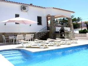 Ferienhaus Grande Villa Carmenco mit Pool und Klima