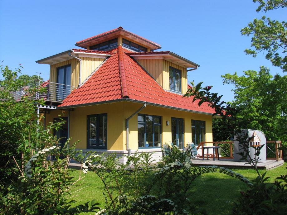 Det gule Hus south-facing terrace