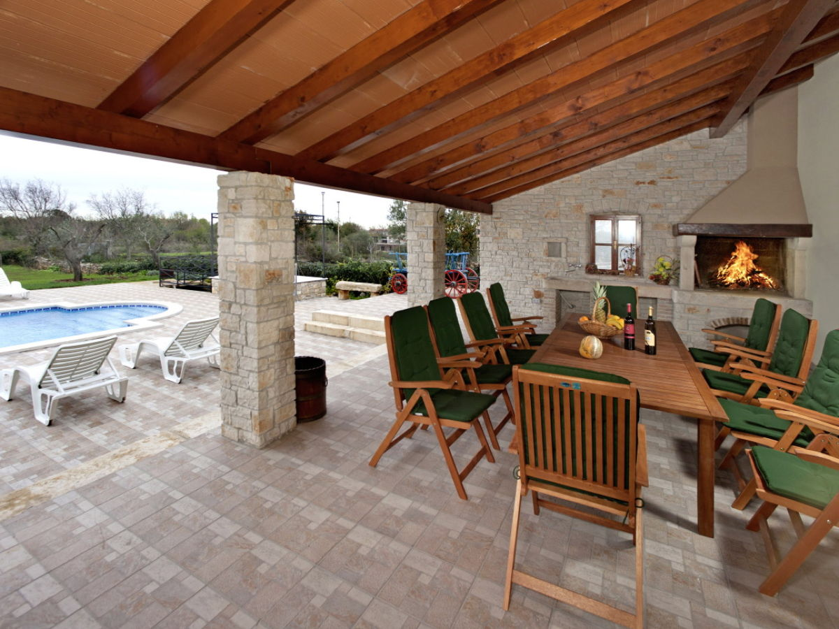 villa lavinia istrien krnica firma i d riva tours. Black Bedroom Furniture Sets. Home Design Ideas