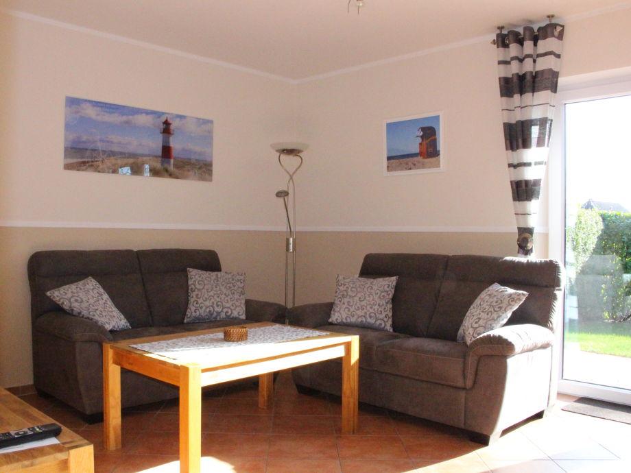 Ein neues Sofa ist eingezogen, alles neu gestrichen
