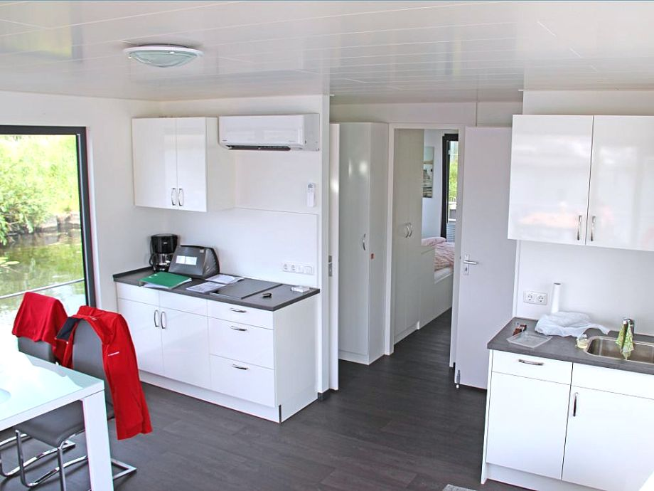 Küchenzeile Aufteilung ~ hausboot floating 44 laboe, kieler förde firma rückenwind ferien frau elke bachmann