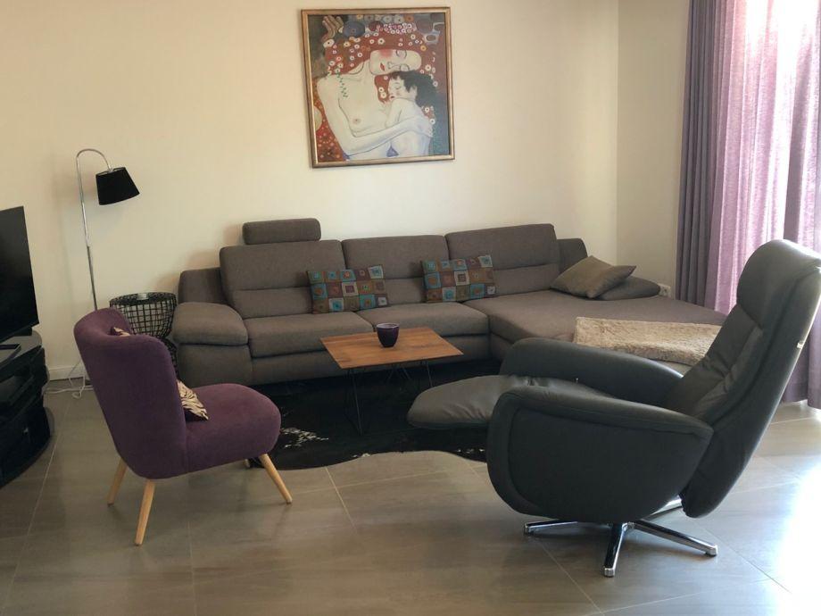 Wohnzimmer mit 3D-TV u. 3D-Blu-ray-Player