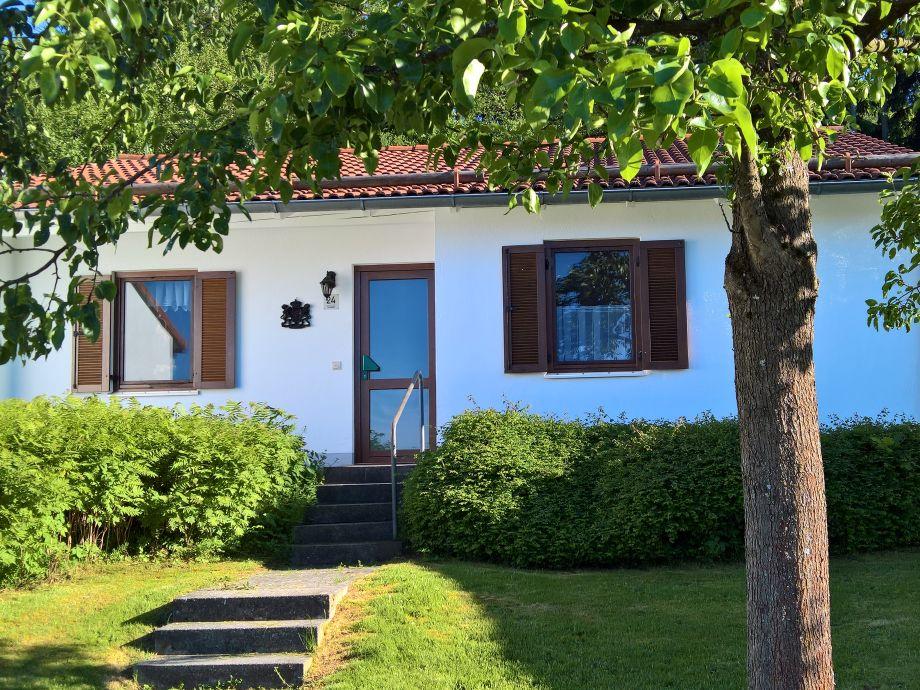 """""""Ferienhaus am Wald""""  Vorderansicht"""