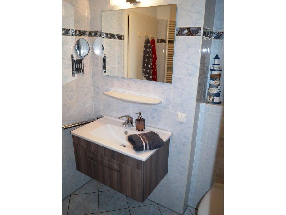 Ferienwohnung 2 am stadtwald ostsee frau sabine werda wind for Modernes bad mit dusche