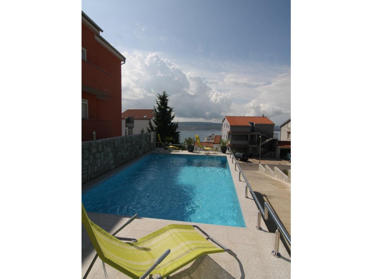 Ferienwohnung villa jordanka fewo 4 in crikvenica kvarner for Swimmingpool aus plastik