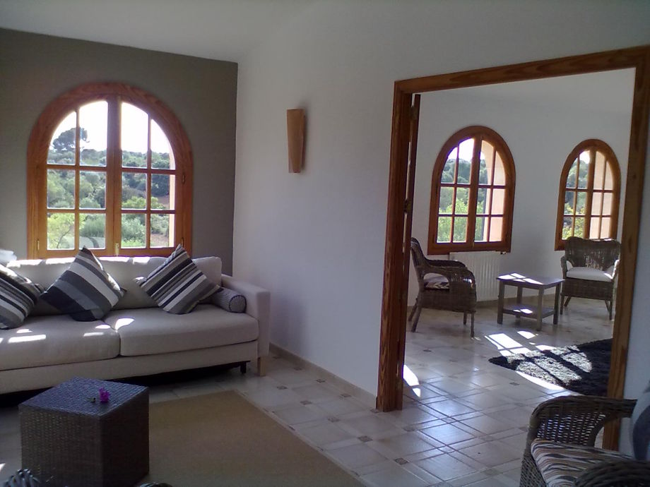 Finca son mas felanitx mallorca south ms birgit lutter for Living room upstairs