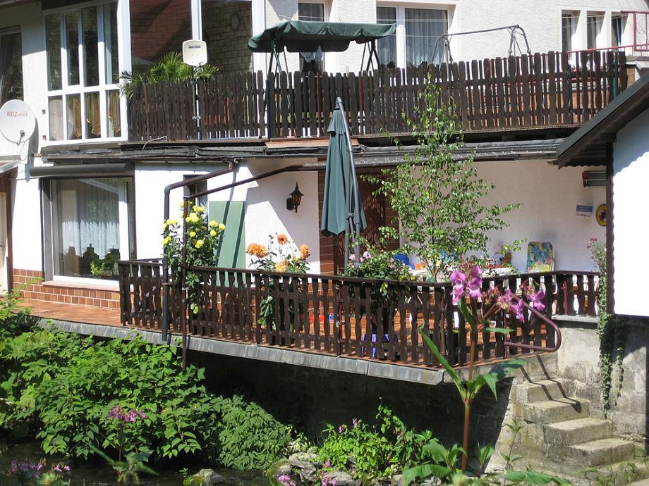 FeWo mit Terrasse, Zugang zum Fluss