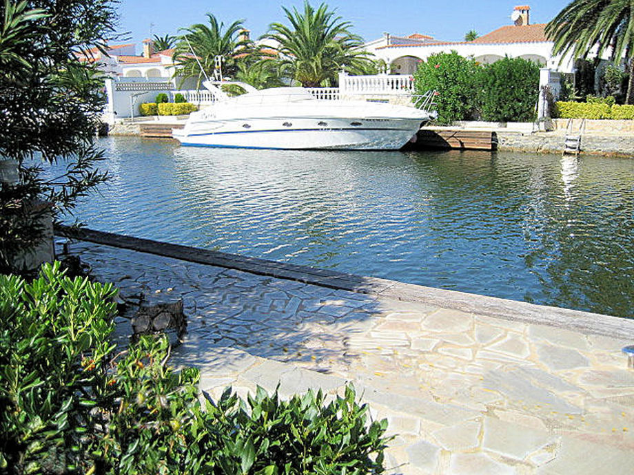 Holiday house Casa Anja f. 5 pers. with pool and mooring ...