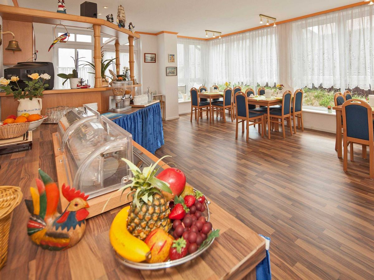 ferienwohnung 11 im haus antje ostsee ahlbeck firma ferienwohnungen am d nenstrand herr. Black Bedroom Furniture Sets. Home Design Ideas