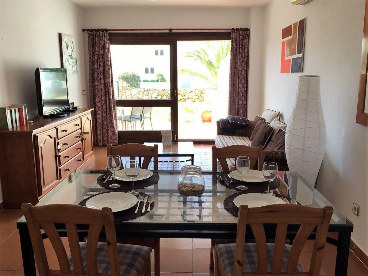 Ferienwohnung casa tanja mit pool garten klimaanlage w for Wohnzimmer mit esstisch