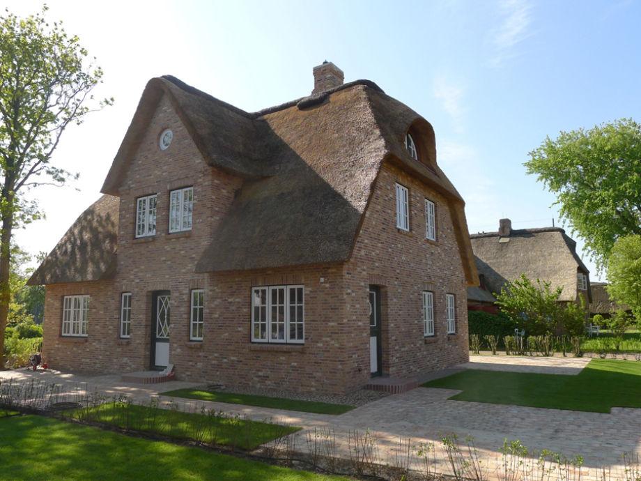 Reetdach-Einzelhaus in Borgsum